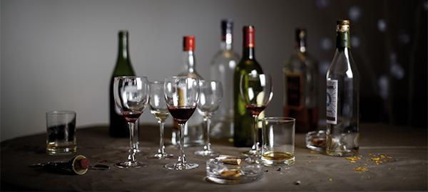 Ma consommation d 39 alcool je ne sais pas m 39 arr ter de boire est ce une d pendance alcoolique - Disposition des verres a table ...